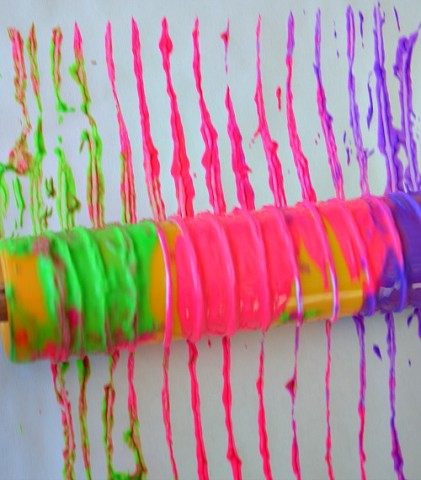 art-activities-for-kids-with-yarn-and-color-421x480